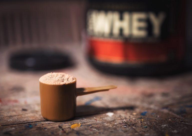 Was sind die Vorteile und Risiken von Molkenprotein?