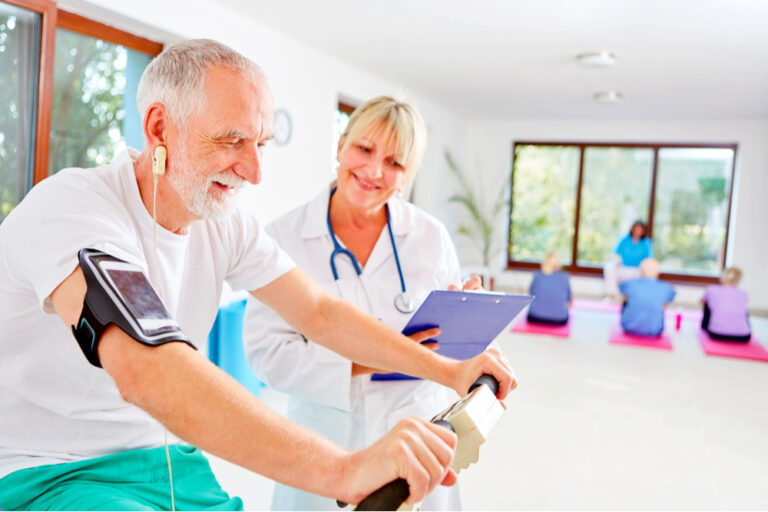Welche Heimtrainer sind für Senioren wirklich geeignet?